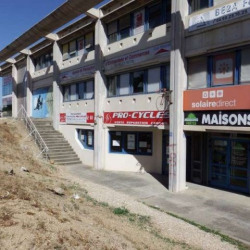Location Local commercial Les Angles 110 m²