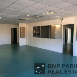 Location Bureau Bouc-Bel-Air 2180 m²