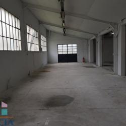 Location Entrepôt Aiglemont 80 m²