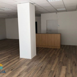 Location Local commercial Lorient 193 m²