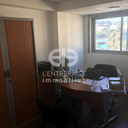 Location Bureau Antibes 98 m²