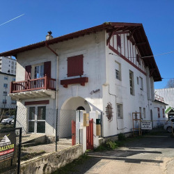 Location Local commercial Bayonne 90 m²