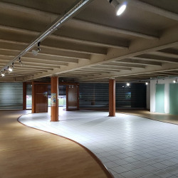 Location Local commercial Reims 360 m²