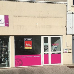 Location Local commercial Angoulême 85 m²