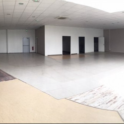 Location Local commercial Reims 300 m²