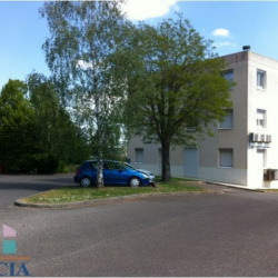 Location Local commercial Poitiers 148 m²