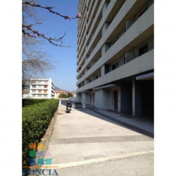 Location Local commercial Toulon 30 m²