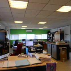 Location Bureau Blanquefort 104,11 m²