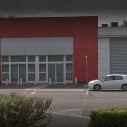 Vente Local commercial Saint-Quentin 700 m²
