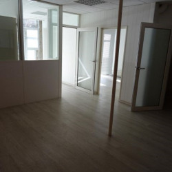 Location Local commercial Vienne 96 m²