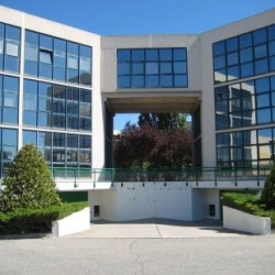 Location Bureau Aix-en-Provence 1460 m²