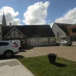 Location Local commercial Chémery 70 m²