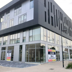 Location Local commercial Anzin 303 m²