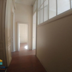 Location Local commercial Bordeaux 86 m²
