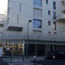 Location Local commercial Angers 252 m²