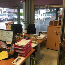 Location Local commercial Plaisir 100 m²