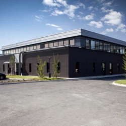 Location Bureau Vaulx-Milieu 2442 m²
