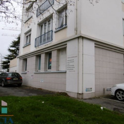 Location Local commercial Lorient 64 m²