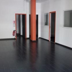 Location Local commercial Saint-Pierre 140 m²
