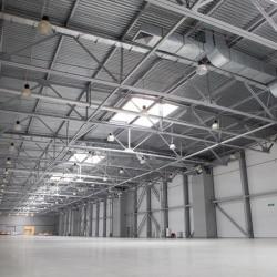 Location Entrepôt Saint-Laurent-du-Var 240 m²