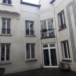 Location Bureau Versailles 51,58 m²