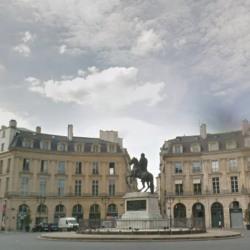Location Local commercial Paris 1er 63 m²