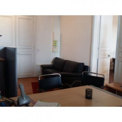 Location Local commercial Chinon 0 m²