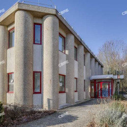 Location Bureau Tremblay-en-France 70 m²