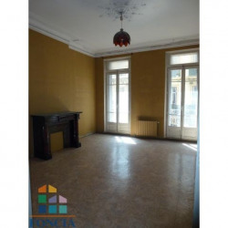 Location Local commercial Toulon 200 m²