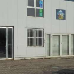 Location Local commercial Lattes 196 m²