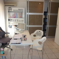 Location Local commercial Toulon 58 m²