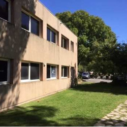 Location Bureau Vitrolles 320 m²