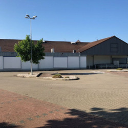 Location Local commercial Ahuy 1100 m²