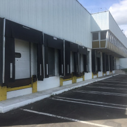 Location Entrepôt Épône 11036 m²