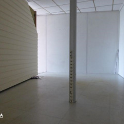 Location Local commercial Laval 72 m²