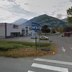 Location Local commercial Saint-Égrève 557 m²