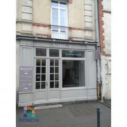 Location Local commercial Rennes 46 m²