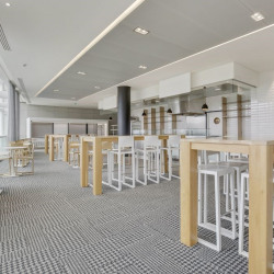 Location Bureau Puteaux 7674 m²