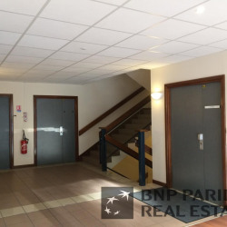 Location Bureau Aix-en-Provence 281 m²