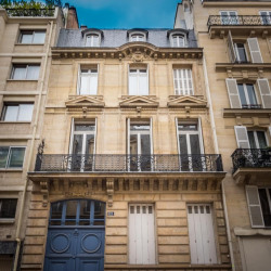 Location Bureau Paris 7ème 1049 m²