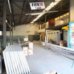 Location Local commercial Marseille 12ème 330,02 m²