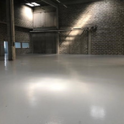 Location Local commercial Osny 782 m²