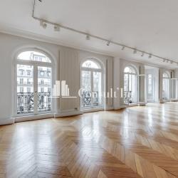 Location Local d'activités Paris 8ème 376 m²