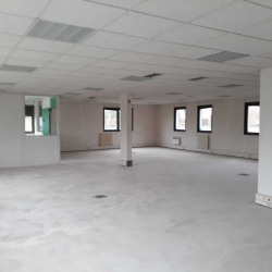 Vente Bureau Les Ulis 1839 m²
