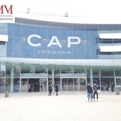 Location Local commercial Saint-Laurent-du-Var 441 m²