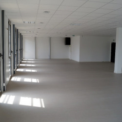 Location Bureau Caen 63 m²
