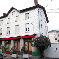 Location Local commercial Vienne 95 m²