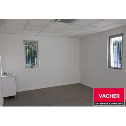 Location Local commercial Bègles 81 m²