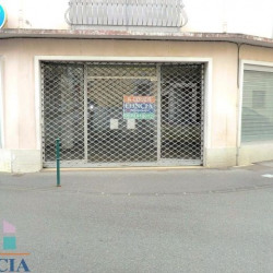 Location Local commercial Lourdes 121 m²