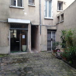 Location Local commercial Suresnes 65 m²